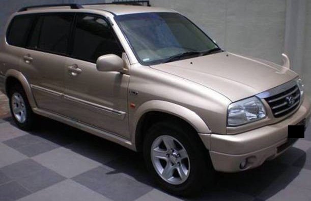 Review dan Spesifikasi Suzuki Grand Escudo XL7 V6, 2500 cc